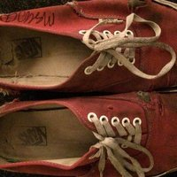 Mac DeMarco's old shoes sold for 21 100 US dollars