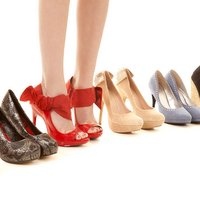 Americans buy 7.5 pairs of shoes per year