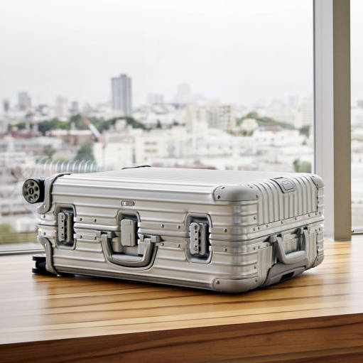 LVMH acquires stake in Rimowa