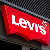 Pensole  partners with LEVI's footwear