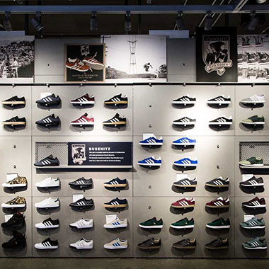 Footwear stores should focus on the customer's experience
