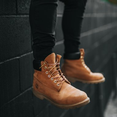 Timberland continues with sales decline