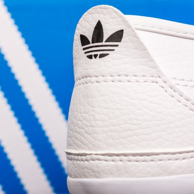 adidas rises target after robust 2017